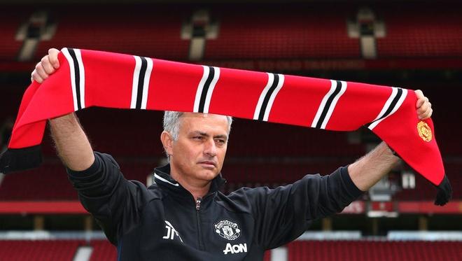 Mourinho muon co 20 cau thu moi de xay dung lai doi hinh hinh anh