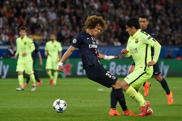 David Luiz bi che la trung ve te nhat lich su NH Anh hinh anh 1