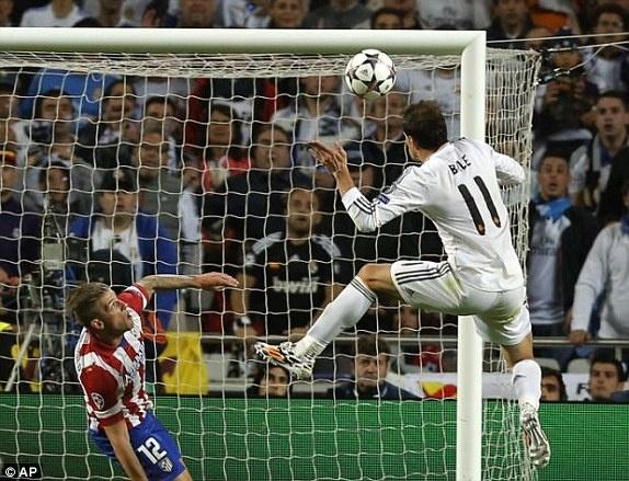 Nhieu sao Real nong mat vi Gareth Bale doi luong khung hinh anh 1