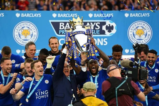 Fan Leicester cho 14 tieng de mua ve xem Champions League hinh anh 1