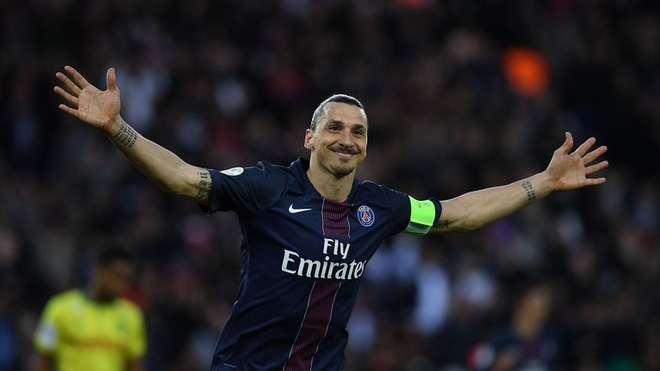 Ibrahimovic: Toi chang nho gi ngoai muc luong o PSG hinh anh 1