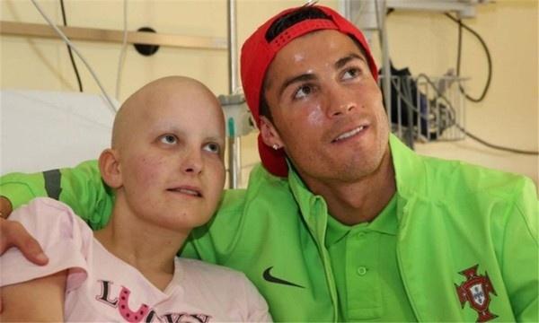 Nhung khoanh khac am ap cua Cristiano Ronaldo hinh anh