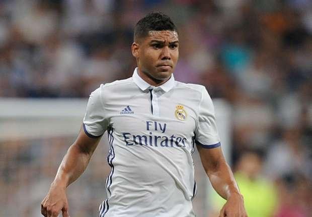 Sao Real quyet khong choi cho Barca, doan Ronaldo doat QBV hinh anh