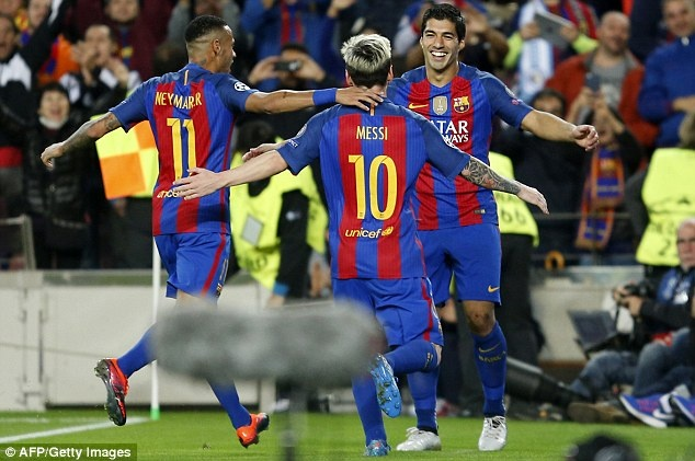 Luis Suarez gianh Chiec giay vang, muon giai nghe o Barca hinh anh 2