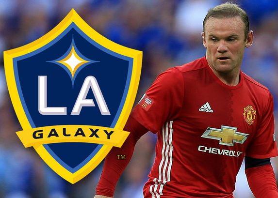 Rooney mo duong toi My, Kompany dem ngay roi Man City hinh anh