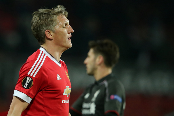 Mourinho ly giai nguyen nhan cho Schweinsteiger tap tro lai hinh anh