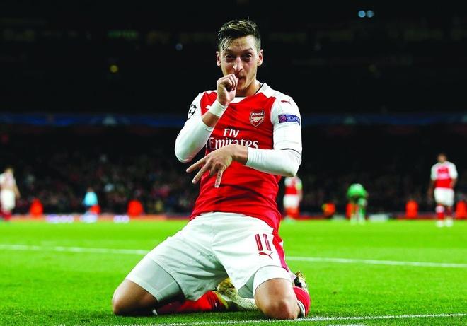 Oezil khang dinh tinh yeu voi Arsenal hinh anh 1