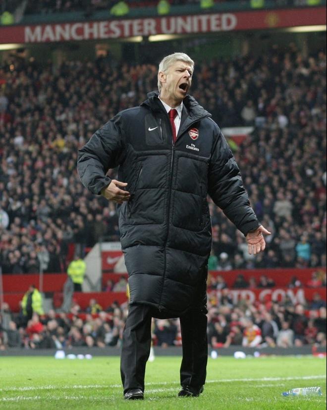 Khoanh khac te hai cua Arsenal tai MU anh 4