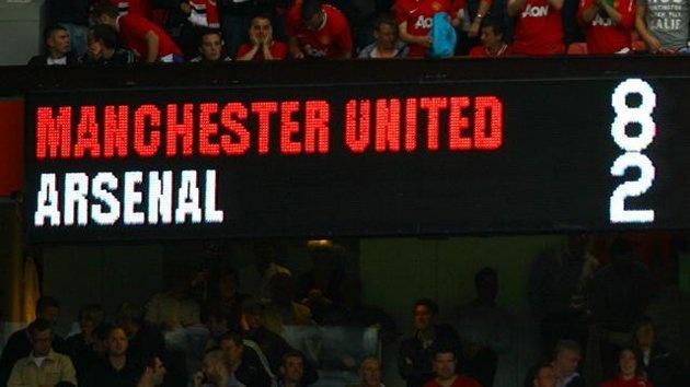 6 khoanh khac te hai cua Arsenal tai Old Trafford hinh anh