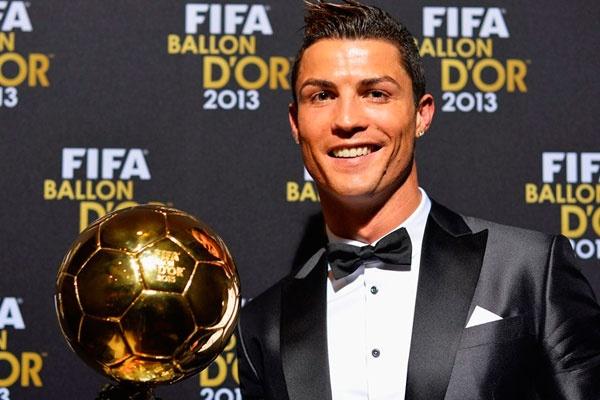 Bao Tay Ban Nha tiet lo Ronaldo doat Qua bong vang hinh anh 1