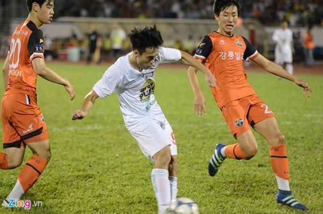 'Cong Phuong hay nhung U21 Gangwon nhu doi bong lang' hinh anh 2