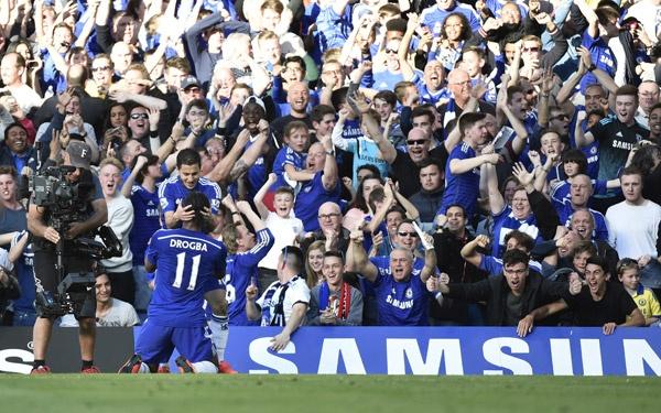 10 khoanh khac dep nhat cua Oscar trong mau ao Chelsea hinh anh 9