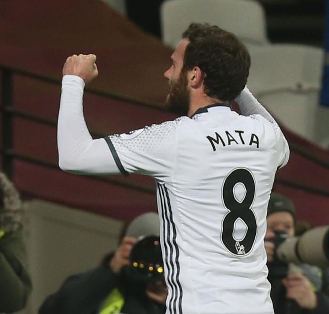 Juan Mata ngap tran hanh phuc ngay dau nam hinh anh 1