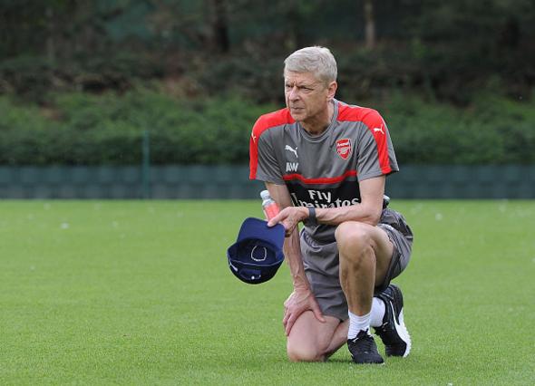 Wenger khong roi Arsenal anh 1