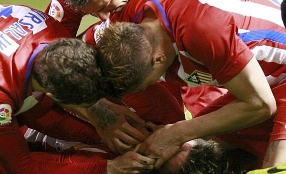 Tai sao Torres suyt tu vong vi nuot luoi? hinh anh