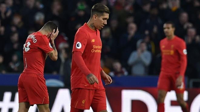 Gary Neville: 'Liverpool sa sut vi thieu phuong an B' hinh anh 1