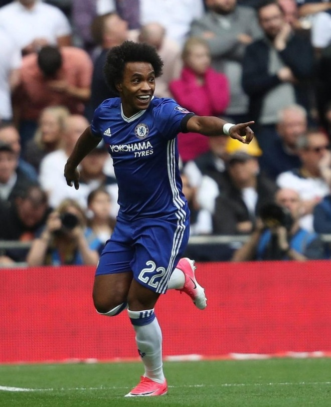 Fan Chelsea dung may bay 'to tinh' voi Antonio Conte hinh anh 4