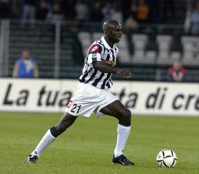 Doi hinh nguoi Phap tung choi cho Juventus hinh anh 4