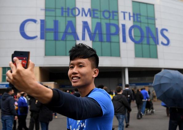 Fan Chelsea ra mat mon 'thit lon ham Costa' mung chuc vo dich hinh anh 6