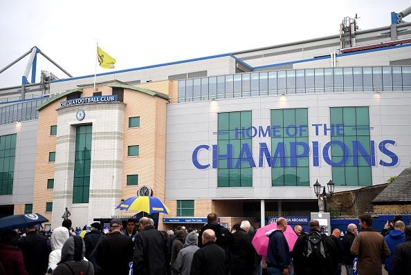 Fan Chelsea ra mat mon 'thit lon ham Costa' mung chuc vo dich hinh anh 5