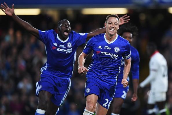 Fan Chelsea ra mat mon 'thit lon ham Costa' mung chuc vo dich hinh anh 3