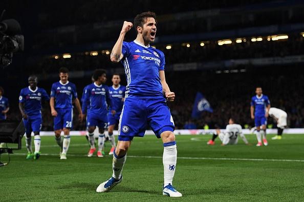 Fan Chelsea ra mat mon 'thit lon ham Costa' mung chuc vo dich hinh anh 4