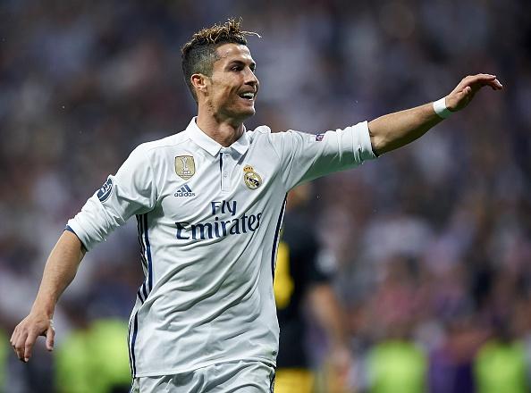 Ronaldo: 'Toi la nguoi viet nen lich su cua MU va Real' hinh anh