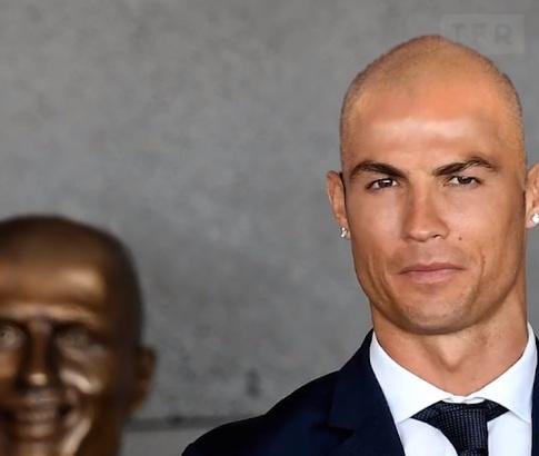 Khi sao bong da dong loat hoi dau giong Zidane hinh anh