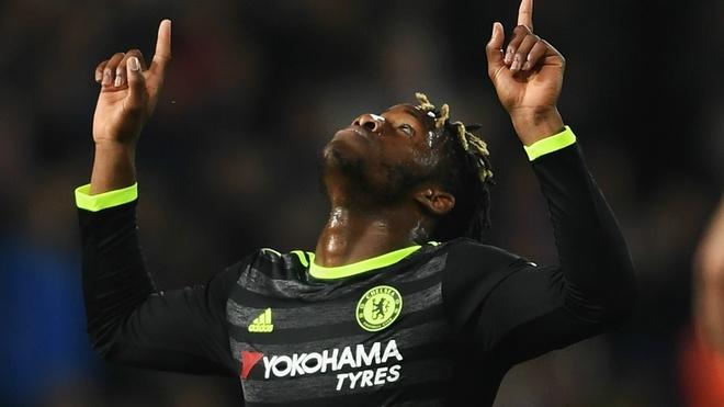 Antonio Rudiger va 10 ban hop dong dat gia nhat lich su Chelsea hinh anh 4