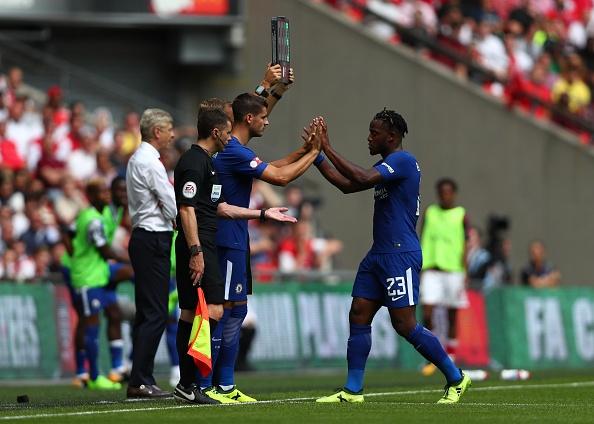 Batshuayi bi fan Chelsea si va vi 'cuoi deu' Morata hinh anh 2