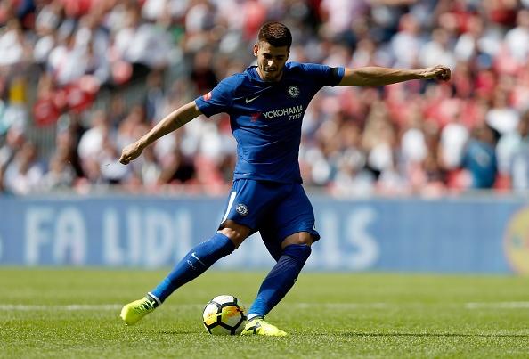 Batshuayi bi fan Chelsea si va vi 'cuoi deu' Morata hinh anh 3