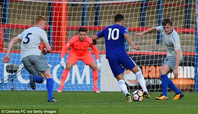 Eden Hazard nhat nhoa trong ngay U23 Chelsea thua tham hinh anh 5