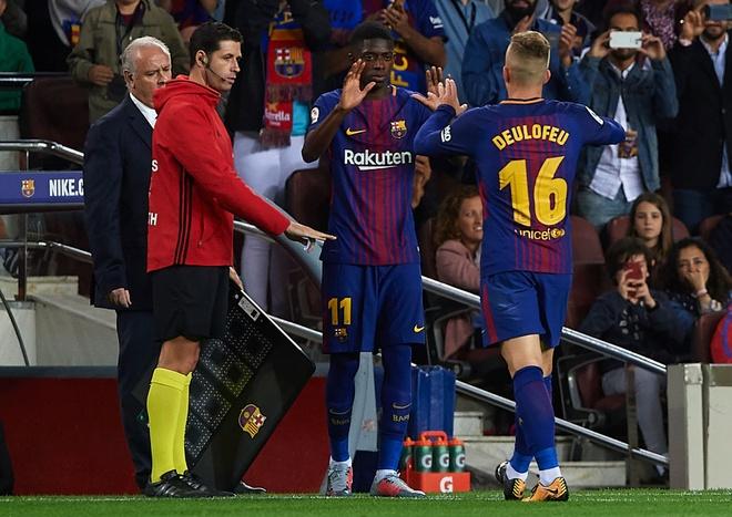 Messi lap hattrick, Barca dai thang derby hinh anh 7