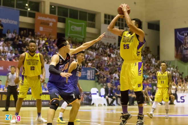 Vincent Nguyen toa sang, Hanoi Buffaloes doat ve choi play-off hinh anh 6