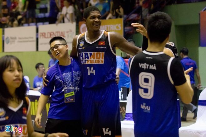 Vincent Nguyen toa sang, Hanoi Buffaloes doat ve choi play-off hinh anh 13