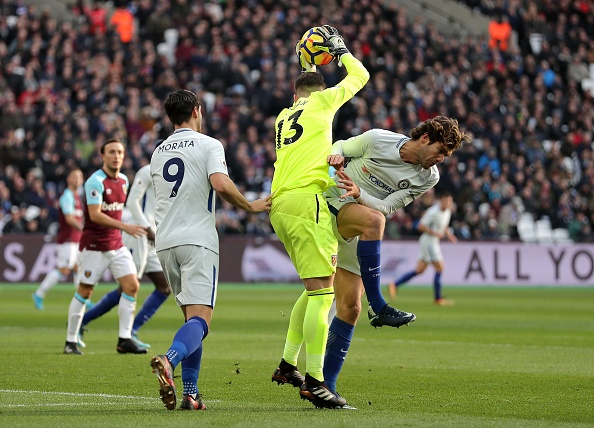 Hang cong 'tu tung', Chelsea bat ngo bi West Ham quat nga hinh anh 5