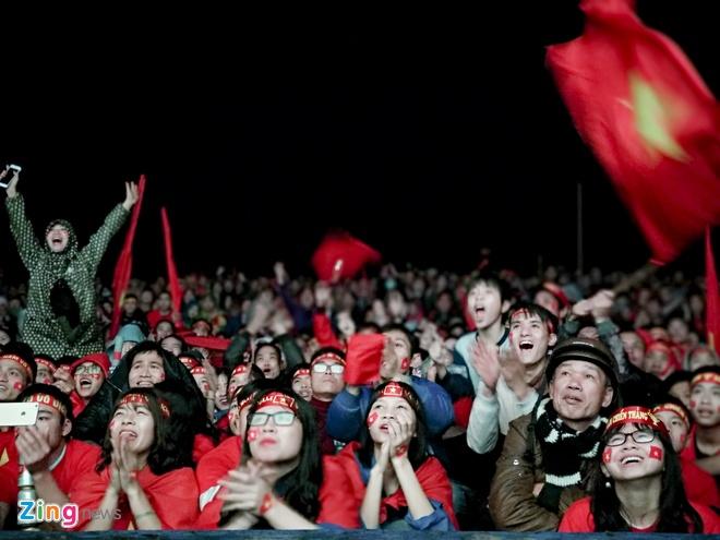 CDV noi Quang Hai lon len chet lang vi U23 Viet Nam thua phut cuoi hinh anh 6