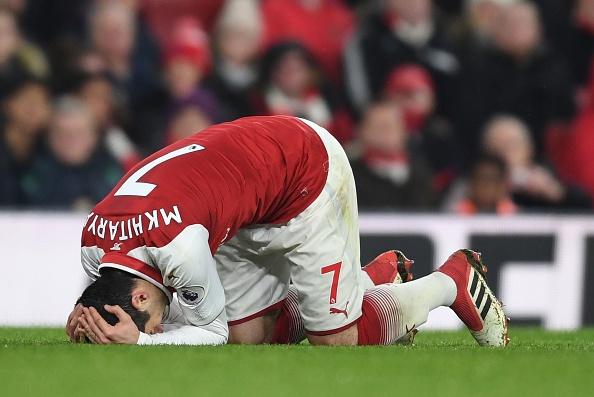 Mkhitaryan choi te hai, fan MU cuoi nhao Arsenal hinh anh