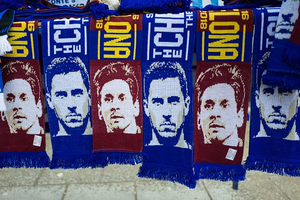 Messi ghi ban, Barca cam hoa Chelsea 1-1 tren dat Anh hinh anh 1