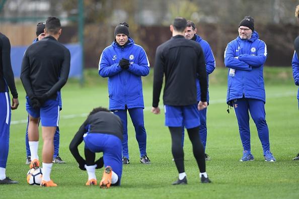 Buoi tap am dam cua Chelsea sau tran thua Barca hinh anh 1