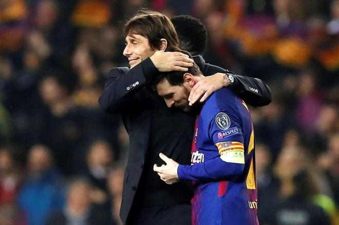 Om Messi hai lan, Conte bi cau thu Chelsea 'nong mat' hinh anh 1