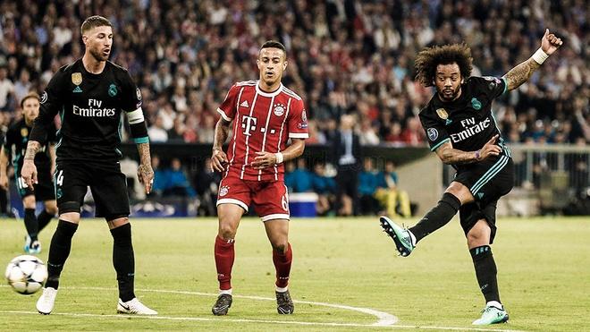 Cu volley chay luoi Bayern cua Marcelo nhin tu khan dai hinh anh