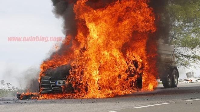 Audi A7 gap nan tren duong thu nghiem hinh anh
