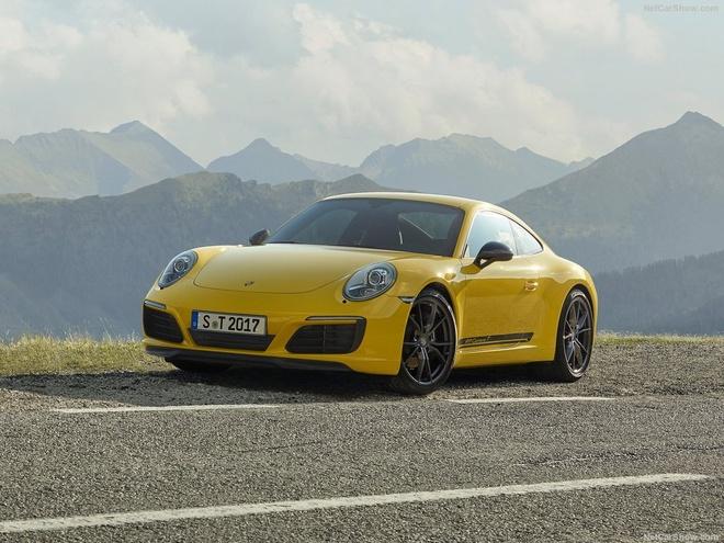 Porsche 911 Carrera T 2018 nang cap manh me, gia hon 100.000 euro hinh anh 1