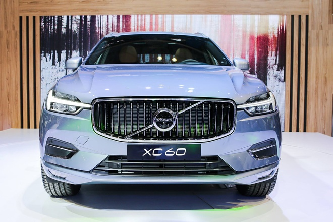 Can canh Volvo XC-60 gia 2,45 ty dong tai VIMS 2017 hinh anh