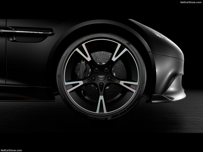 Lo dien xe the thao hang sang Aston Martin Vanquish S Ultimate hinh anh 4