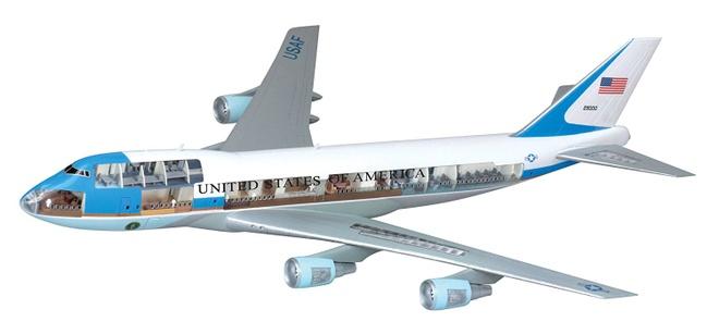'Nha trang tren khong' Air Force One dua ong Trump den VN hinh anh 5