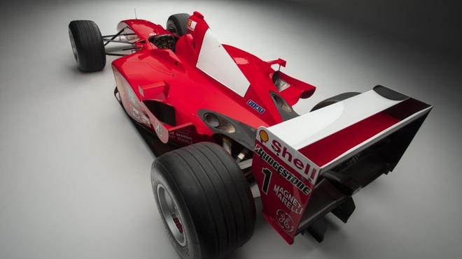 Xe dua F1 cua huyen thoai Michael Schumacher duoc ban gia 7,5 trieu do hinh anh 3