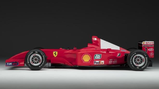 Xe dua F1 cua huyen thoai Michael Schumacher duoc ban gia 7,5 trieu do hinh anh 1
