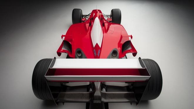 Xe dua F1 cua huyen thoai Michael Schumacher duoc ban gia 7,5 trieu do hinh anh 5